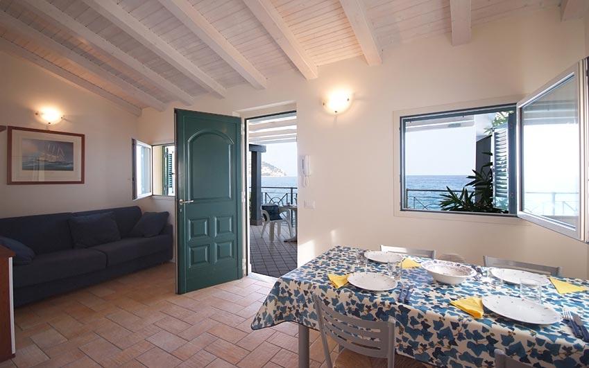 Residence sul mare baia la ruota a bordighera riviera di for Appartamenti sul mare barcellona